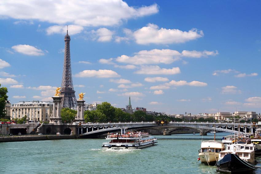 Paris river cruise wedding