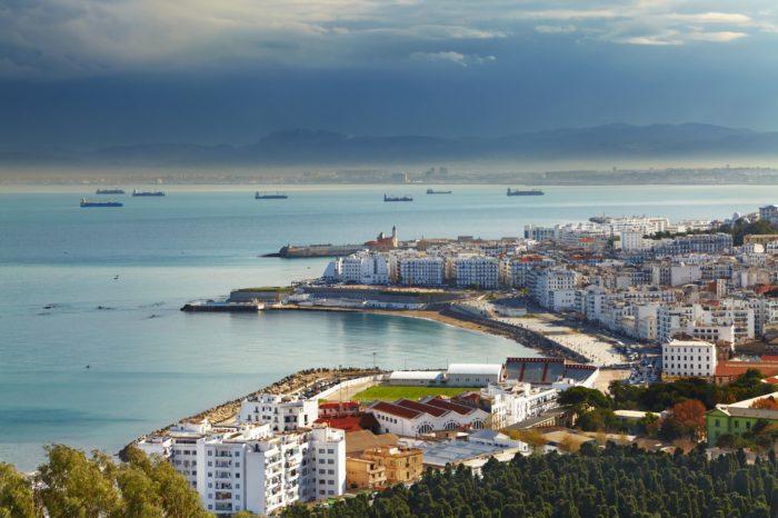 Алжир бюджетный город 2018 года