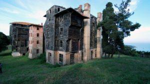 Крупнейшее в Европе деревянное здание подвержено разрушению