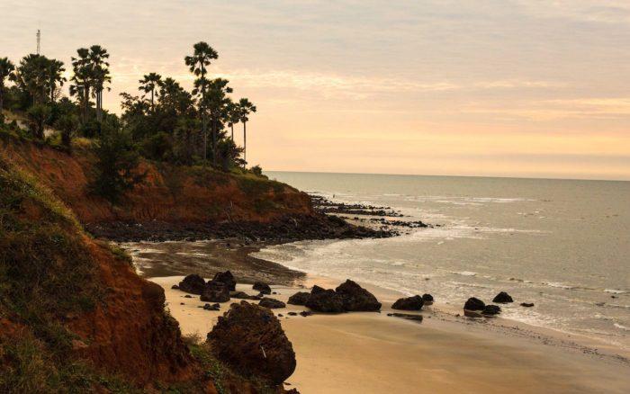 Не туристические пляжи Гамбии
