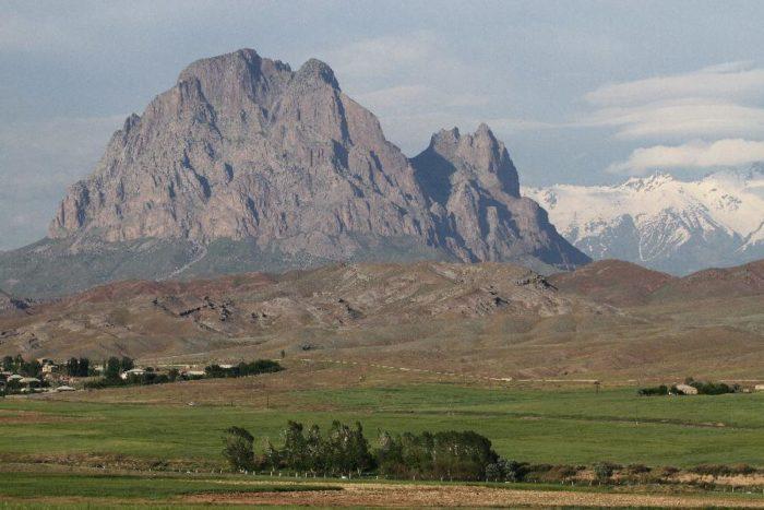 Гора Иландаг, погруженная в легенду