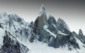 Гора Серро Торре, Аргентина и Чили