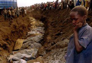 Массовые захоронения найдены в Руанде